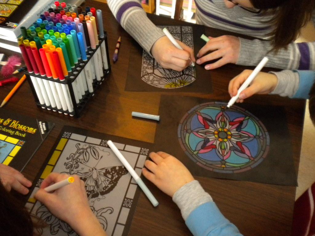 Arte: Dibujos para colorear tipo vitrales | Familia Católica ...